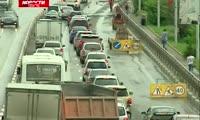 В чем причины гигантской пробки в Октябрьском районе?