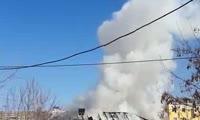 На ул. Маерчака загорелся дом