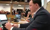 Депутат Аркадий Волков зачитал депутатский запрос о коррупционных схемах