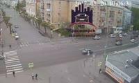 Водитель «Жигулей» врезался в автобус ЛиАЗ и сбежал