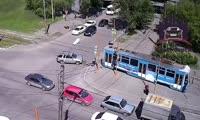 ДТП с участием трамвая и кроссовера