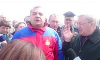 Встреча главы МЧС Владимира Пучкова с погорельцами в Лесосибирске