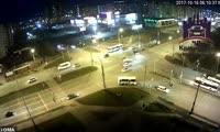 Таксист умер за рулем автомобиля на  ул. 9 Мая - пр. Комсомольском