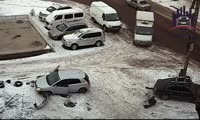 Toyota сбила женщину на правобережье Красноярска