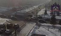 Повернувший в неположенном месте автомобиль сбил пешехода на Красрабе