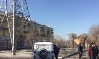 Мужчина залез на ЛЭП на улице Маерчака