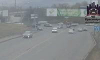 На перекрестке ул. Свердловской и Александра Матросова перевернулся грузовик