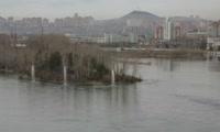 Всего за минуту высота струй речных фонтанов на Енисее вырастает до десятка метров!