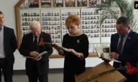 Историю красноярской партизанки зачитала Татьяна Казанова