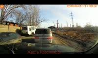 В Красноярске автобус проехал на красный сигнал светофора
