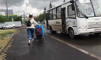 Устать за полчаса: каково приходится мамам с колясками в красноярских автобусах