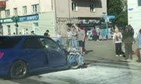 Гонщик на Subaru разбил две машины на улице Партизана Железняка