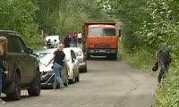 Горожане жалуются на невозможность пройти к заповеднику из-за большого количества машин