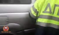 В Минусинске полицейские оформляют перевозку ребенка без кресла
