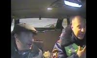 Красноярец попытался дать взятку дорожному полицейскому
