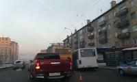 Видео с места аварии на остановке Красномосковская в Красноярске