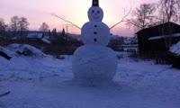 Школьники из Красноярского края слепили снеговика высотой 4,5 метра