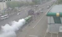 Дымящий автобус на проспекте имени газеты Красноярский рабочий