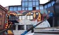 Как создавали огромное пано картины Поздеева в центре Красноярска
