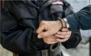 Смелые красноярские продавщицы пустились в погоню за серийным грабителем и помогли задержать его