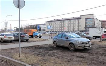 18 любителей парковаться на газонах нашли в Ленинском районе за два часа