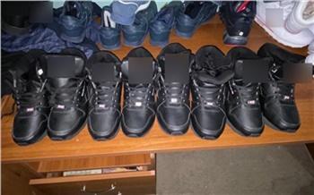 В Минусинске изъяли крупную партию поддельных кроссовок