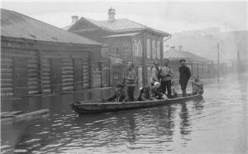 Краеведческий музей показал фото наводнений в Красноярске в XX веке