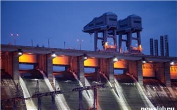 Сброс воды на Красноярской ГЭС решили сократить на 500 кубометров в секунду. Уровень воды в Енисее снова поднялся