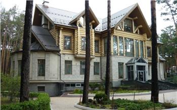 Следователи арестовали красноярские дома и другую недвижимость подозреваемого в подстрекательстве к убийству Анатолия Быкова