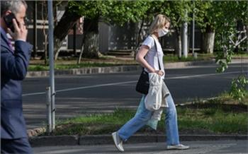 В стабильно сложную по заболеваемости коронавирусом неделю в Красноярске поймали больше сотни антимасочников