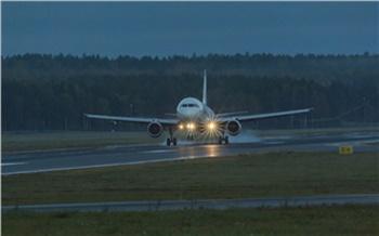 В красноярском аэропорту продолжают задерживать и отменять рейсы