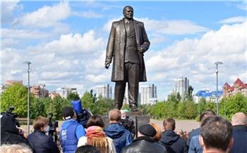 В Красноярске торжественно открыли памятник Павлу Федирко