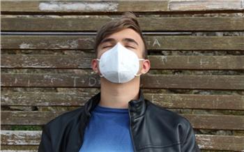 Чаще заражаются молодежь и пенсионеры: главный санитарный врач Красноярского края рассказал о росте заболеваемости гриппом и ковидом