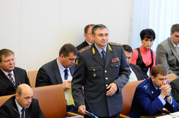 Вадим Антонов мужественно выслушал все ужасы о нарушениях прав человека в милиции