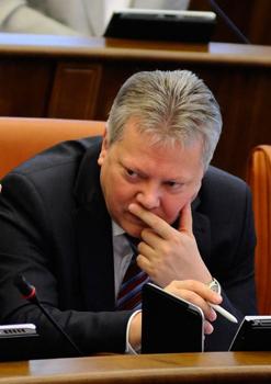 Михаил Васильев переживает за перспективного министра: того и гляди уведут в Москву