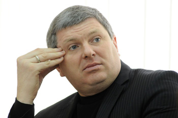 Константин Ляшкевич добавил депутатским вопросам веса и настырности