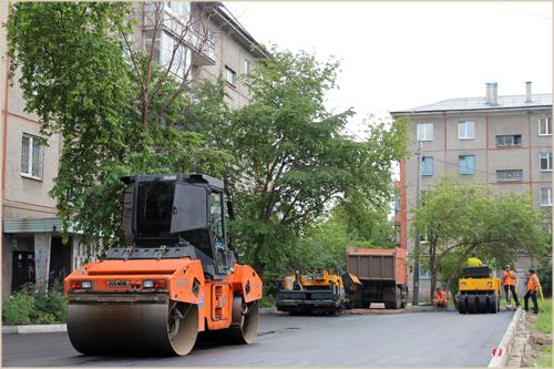 Помимо асфальтирования во дворе осталось...  А вот на ул. Щорса, 49 в первоначальную схему ремонта, возможно...
