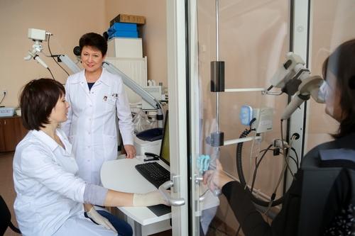 Ирина Демко (вторая слева)