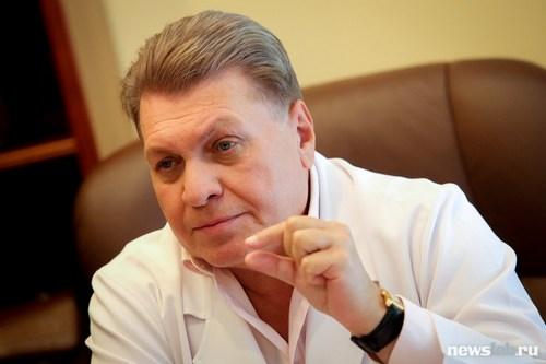 Директор Иркутского филиала МНТК «Микрохирургия глаза» имени акад. С.Н. Федорова д.м.н., профессор Андрей Щуко