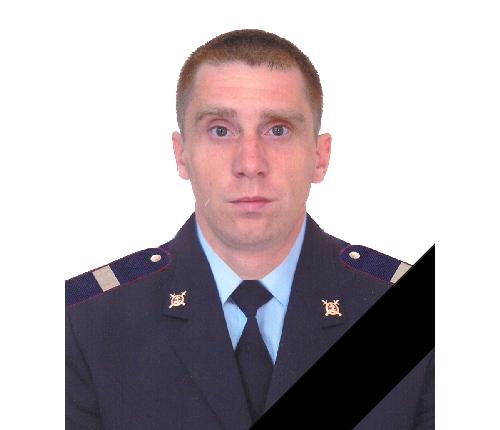 Красноярский полицейский умер, заслонив девушку отвыстрела ееотчима