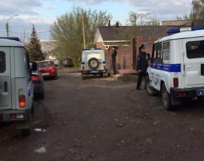 Гражданин Красноярска савтоматом напал насоседей из-за парковки