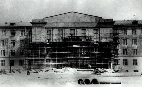 Строительство главкорпуса на Партизана Железняка, 50-е годы
