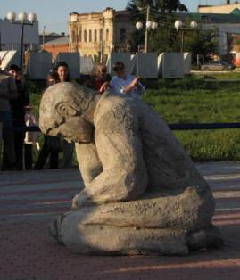 Памятник неизвестному художнику в Канске