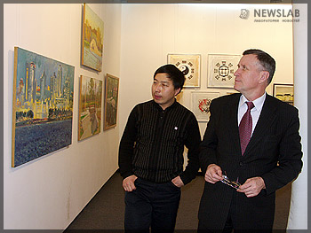 Заместитель главы Красноярска Василий Куимов (справа)