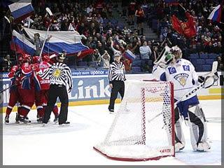 Сборная России упрочила лидерство в хоккейном Евротуре (http://images.newsru.com/pict/id/large/903255_20061110104200.gif)