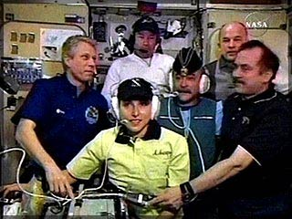 Экипаж МКС (http://www.newsru.com/sport/20sep2006/golf.html)