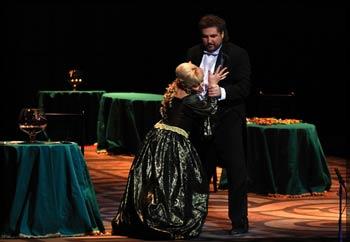Оперный тряхнул старину